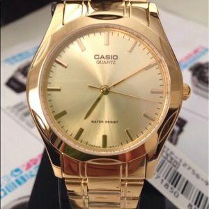 Unisex Casio Gold Tone New Watch 8 inches wrist